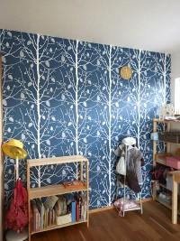 『子供部屋』壁一面に壁紙を。