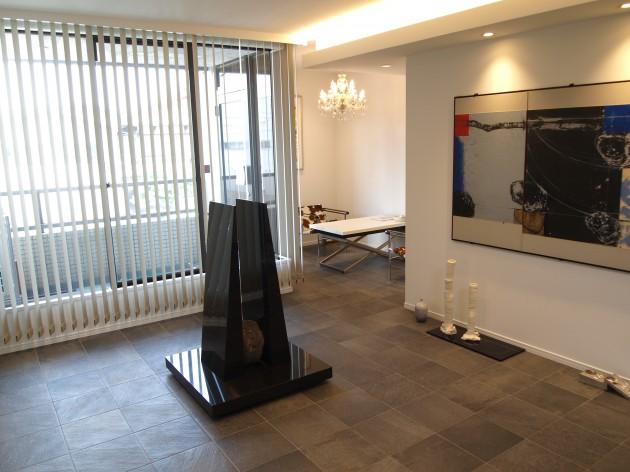 『ギャラリースペース』床材にイタリア製のタイルを使用。